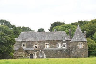 Visite Intérieure Et Extérieure Du Manoir Du Correc à Saint Gelven