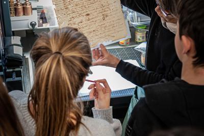 Visite Jeune Public Des Archives Nationales D'outre-mer à Aix en Provence