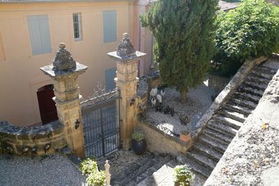Visite Libre De L'escalier Monumental Du Château à Jouques