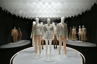 Visite Libre De L'exposition Couturier De La Danse, De Chanel à Versace à Moulins