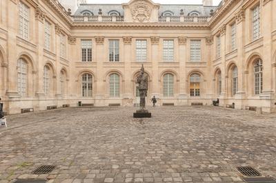 Visite Libre De L'hôtel De Saint-aignan à Paris 4ème
