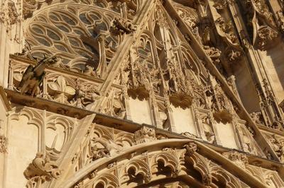 Visite Libre De La Cathédrale Saint-pierre-et-saint-paul Et De Son Trésor à Troyes