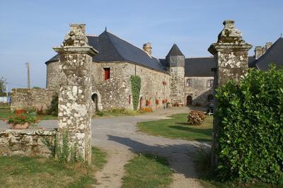 Visite Libre De La Cour Du Vieux Doyenné à Peaule
