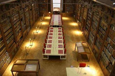 Visite Libre De La Médiathèque D'alençon à Alencon