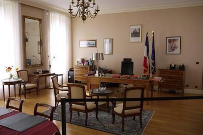 Visite Libre De La Préfecture à Troyes