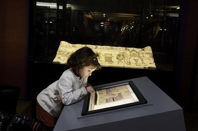 Visite Libre De  La Tapisserie De Bayeux En Famille