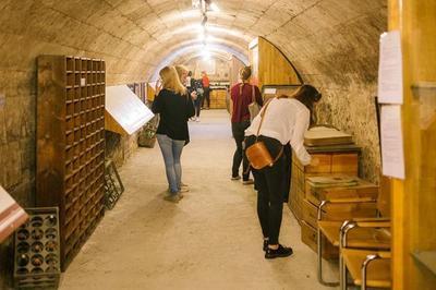 Visite Libre Des Anciens Chais à Bordeaux