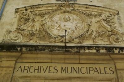 Visite Libre Des Coulisses Des Archives Et Du Petit Musée Du Mont-de-piété Et De La Condition-des-soies à Avignon