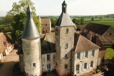 Visite Libre Des Extérieurs Du Château De Clusors. à Saint Menoux