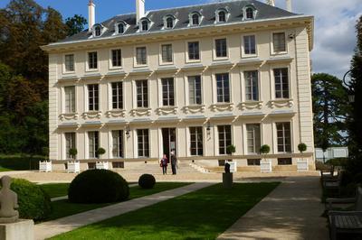 Visite Libre Du Château Et Exposition à Ville d'Avray