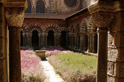 Visite Libre Du Cloître De La Cathédrale Du Puy-en-velay. à Le Puy en Velay