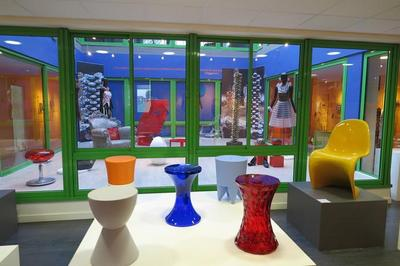 Visite Libre Du Musée Du Peigne Et De La Plasturgie. à Oyonnax