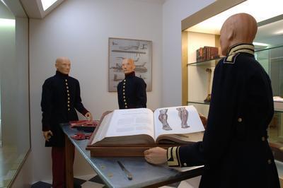 Visite Libre Du Musée Du Service De Santé Des Armées Au Val-de-grâce à Paris 6ème