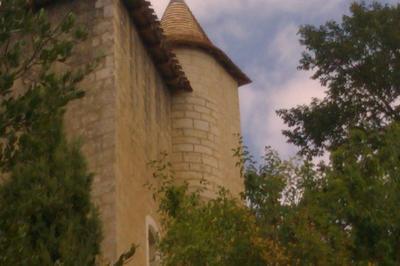 Visite Libre Du Vieux Château à Homps
