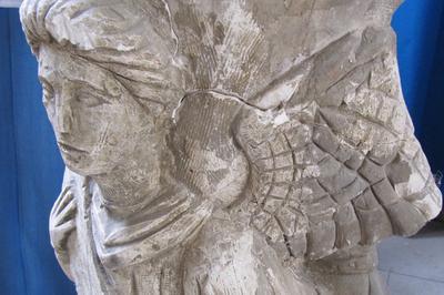 Visite Libre Regarder, Observer, Découvrir Une Église Picarde à Fontaine sur Somme