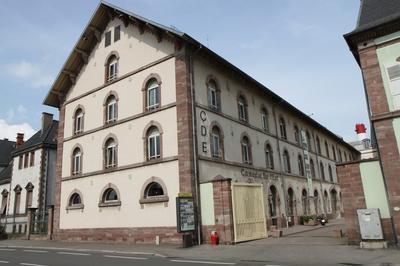 Visite Théâtrale Du Centre Dramatique National D'alsace. à Colmar