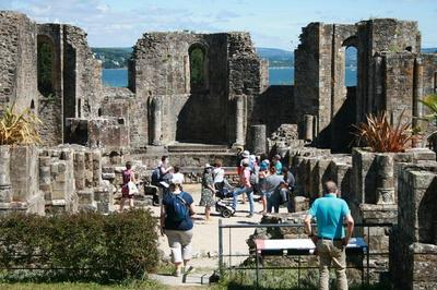 Visites Flash Dans Les Ruines De L'abbaye De Landévennec à Landevennec