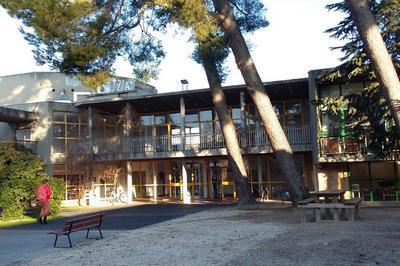 Visites Guidées Et Libres De L'École Supérieure D'art Et Exposition Du Travail De Recherche Des Jeunes Artistes Diplômés De L'école à Aix en Provence