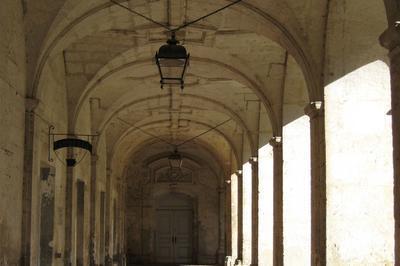 Visites Historiques Guidées De L'abbaye à Bonneval