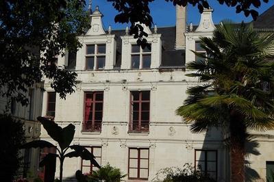 Visites Libres De L'hôtel Sully Et Exposition Mains Et Maintes Fois à Chatellerault