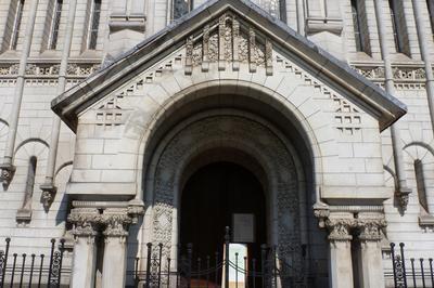 Visitez L'un Des Principaux Lieux De Culte De L'Église Protestante Unie De France à Saintes