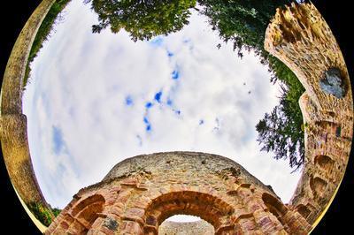 Voyage Au Coeur Du Moyen Âge : Visite Virtuelle Des édifices Médiévaux Des Côtes D'armor. à Pleumeur Bodou