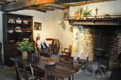 Voyagez Au Coeur De L'un Des Plus Grands Sites Acadiens En Poitou à La Puye