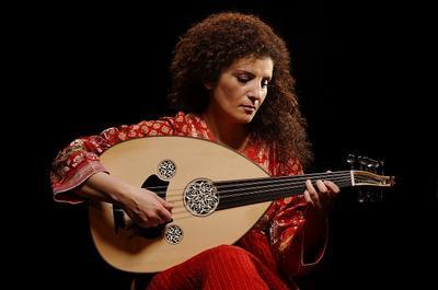 Waed Bouhassoun - Oud et chant Syrien à Les Lilas