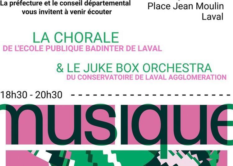 Chanteurs Et Musiciens De Mayenne à La Préfecture à Laval