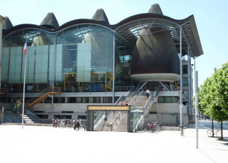 À La Découverte De L'architecture Du Tribunal De Grande Instance à Bordeaux