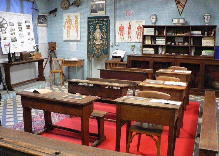 A La Découverte De L'école D'autrefois Au Musée Du Collège Les Saints-anges à Pontivy