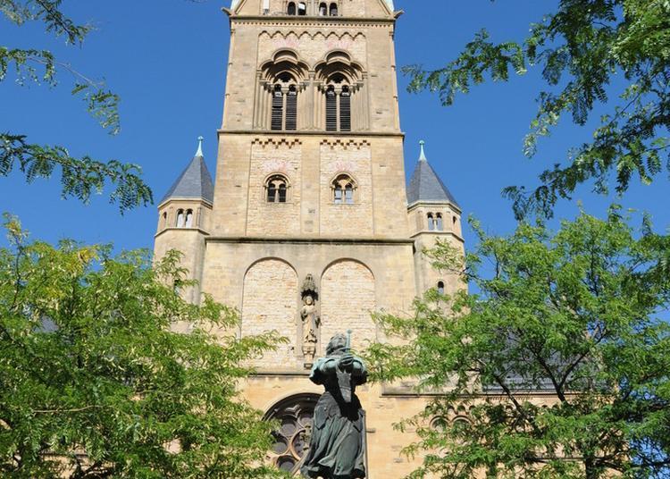 A La Découverte De L'église à Montigny les Metz