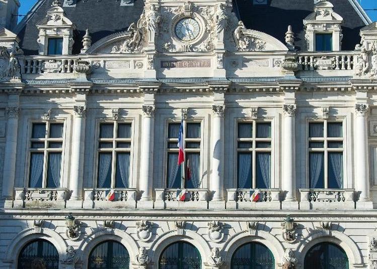 A La Découverte De L'hôtel De Ville : Un Projet Monumental ! à Vannes