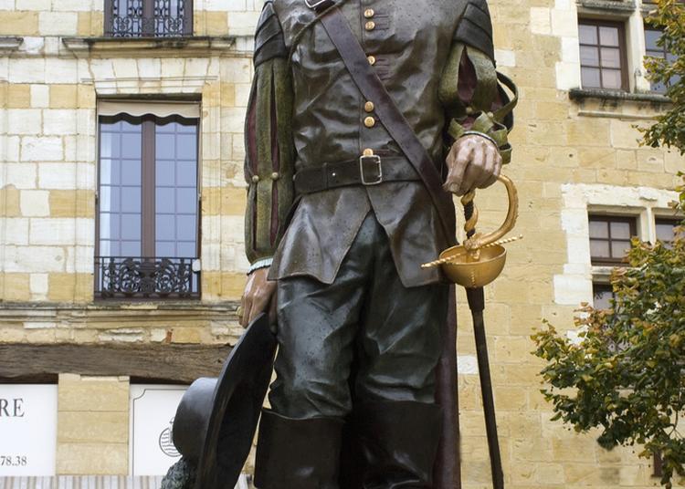 À La Découverte Des Statues De Cyrano De Bergerac