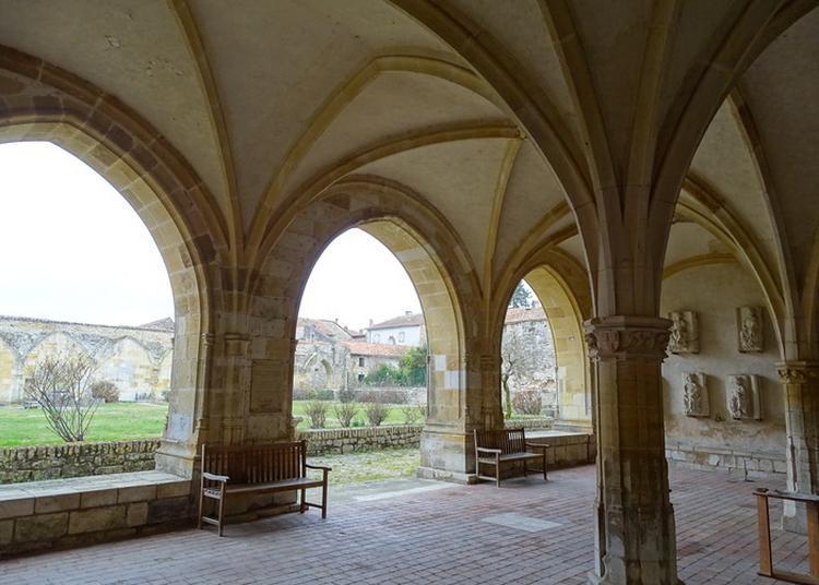 À La Découverte Des Vestiges D'une Abbaye Du Xie Siècle à Charroux