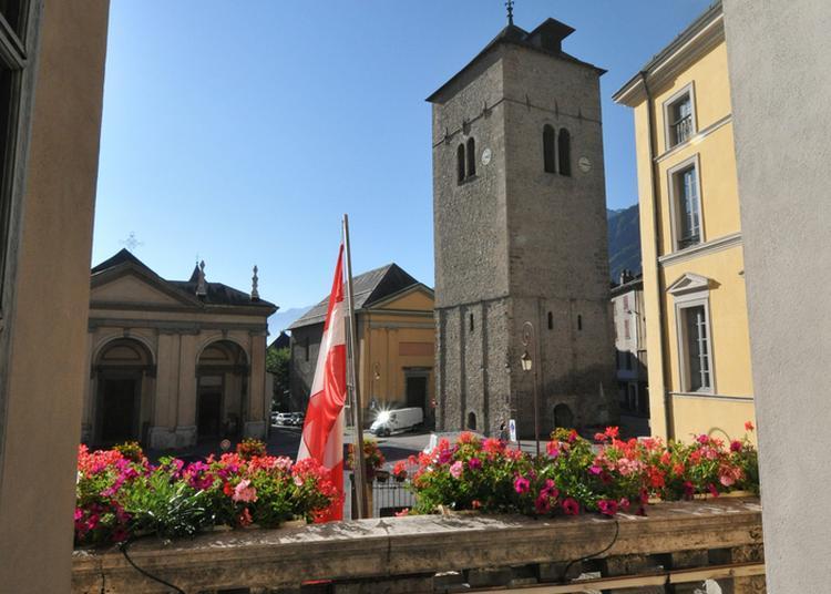 Accés Au  Grand Clocher à Saint Jean de Maurienne