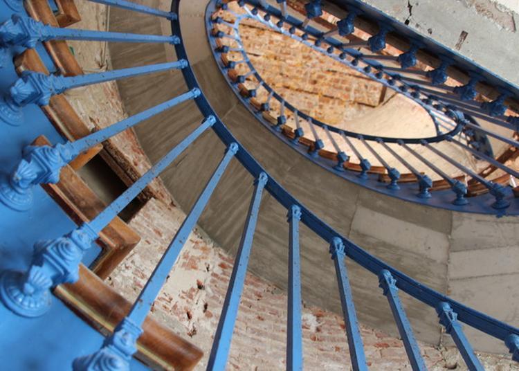 Accès Exceptionnel Aux Appartements Privés Du Château à Saint Goazec