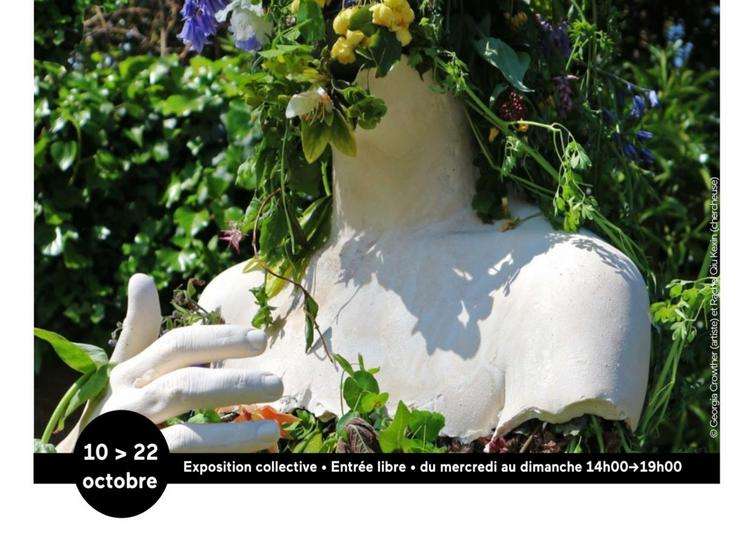 Among the Garbage and the Flowers à Saint Denis