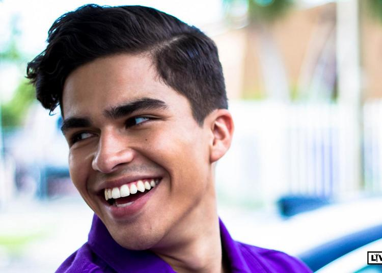 Alex Aiono à Paris 20ème