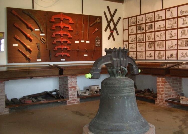 Ancienne Fonderie De Cloches à Robecourt