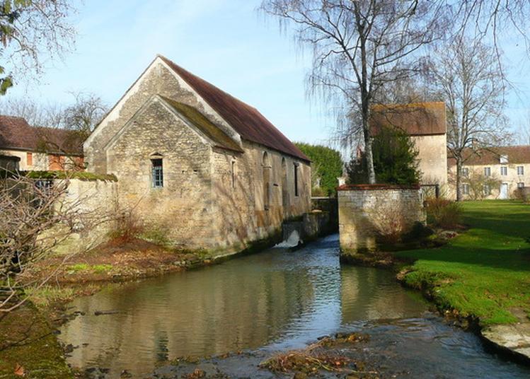 Anciennes Forge Et Caserne Du 17 Et 19ème Siècle Entourées D'un Parc Et D'un Jardin Labellisé Jardin Remarquable à Coulanges les Nevers