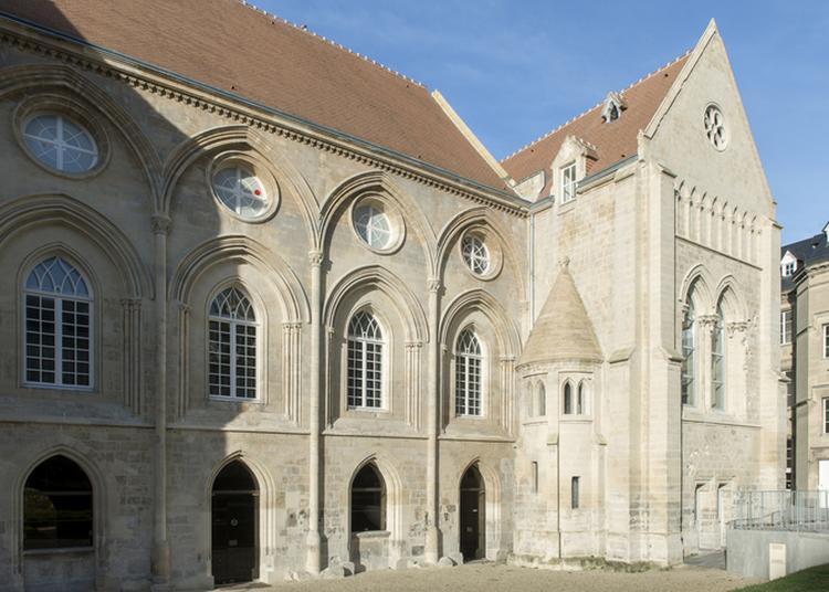 Visite En Famille Du Palais Ducal, De L'artothèque Et De L'exposition De Myriam Mechita à Caen du 18