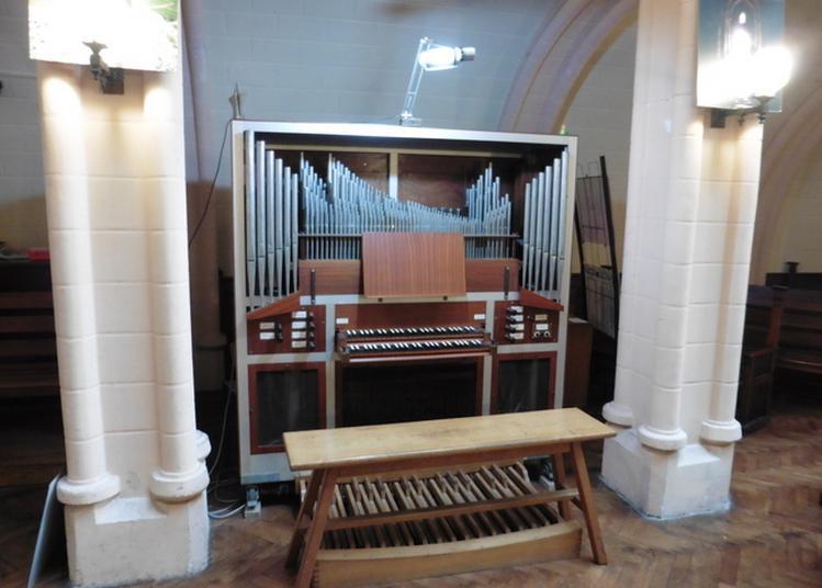 Animation Musicale Au Temple à Saintes