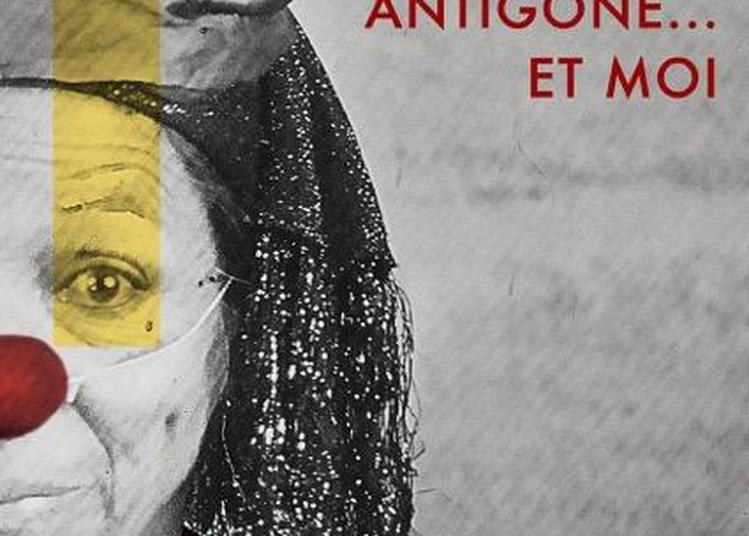 Antigone ... et moi à Sarlat à Sarlat la Caneda