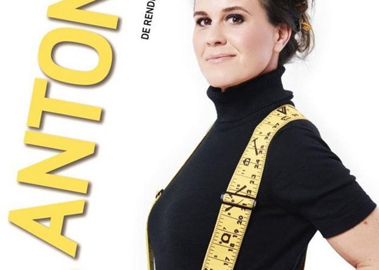 Antonia De Rendinger Pose Les Fondations à Marseille