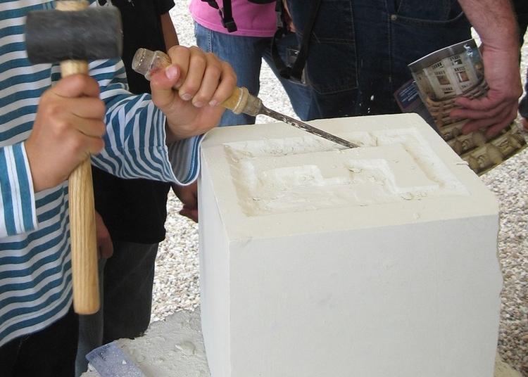 Atelier D'initiation à La Sculpture Sur Tuffeau à Chambord