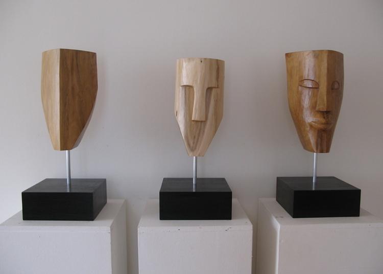 Atelier De Sculpture Sur Bois à Torcieu