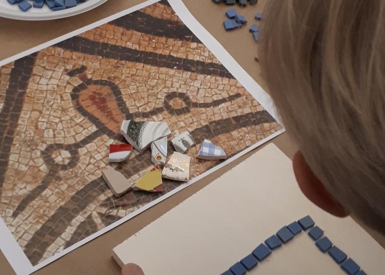 Atelier En Continu Mosaïque Romaine à Besancon