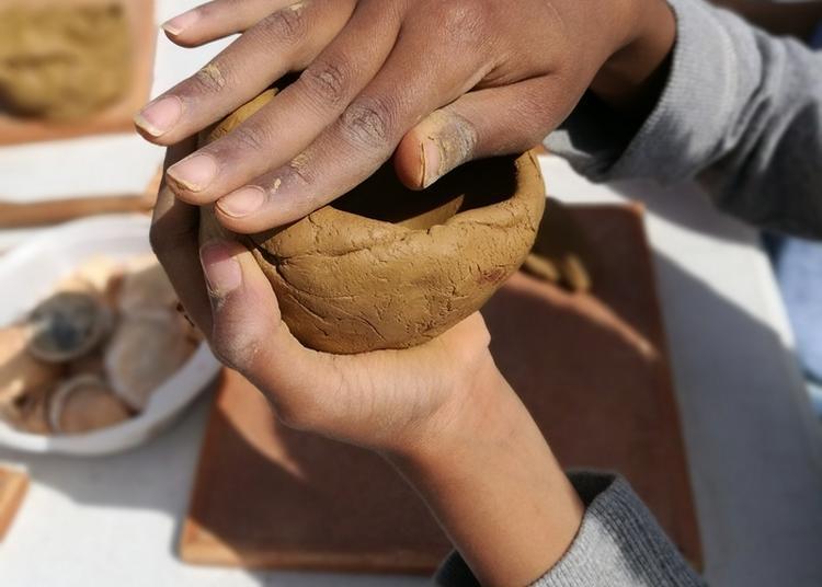 Atelier Utilisation De L'argile Au Néolithique à Saint Germain en Laye