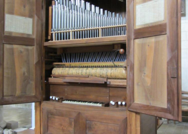 Audition Des Chantres D'airvault Accompagnés De L'orgue À Cylindres à Airvault